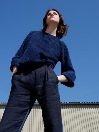 longsleeve T shirt JULIET in handdoekstof, donkerblauw, gerecycleerd textiel van clarysse, uniek kledingstuk