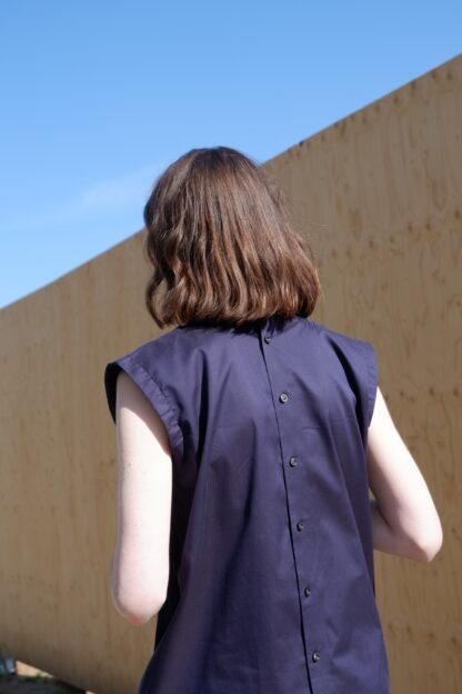 Jurk PAPA in hemden, blauw, sociaal en lokaal geproduceerd.