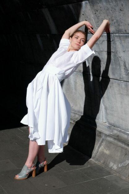 Rok OSCAR in hemden stof, wit, gerecycleerd textiel van Ecoso, sociaal en lokaal geproduceerd.