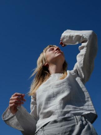 longsleeve T shirt JULIET in linnen, wit, gerecycleerd textiel van Libeco, fair fashion.