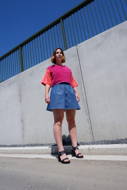 shortsleeve T-shirt SIERRA in handdoekstof, roos en oranje, gerecycleerd textiel van Clarysse, sociaal en lokaal geproduceerd