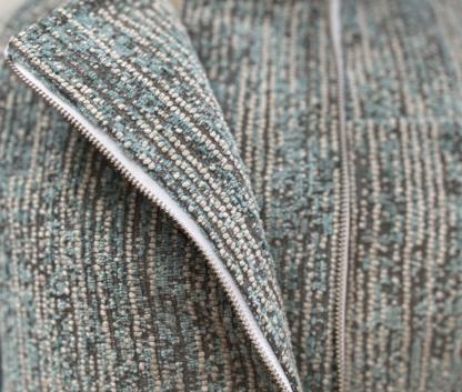 Longsleeve jas LIMA in interieurstof, groen, gerecycleerd textiel van Annabel Textiles, sociaal en lokaal geproduceerd.
