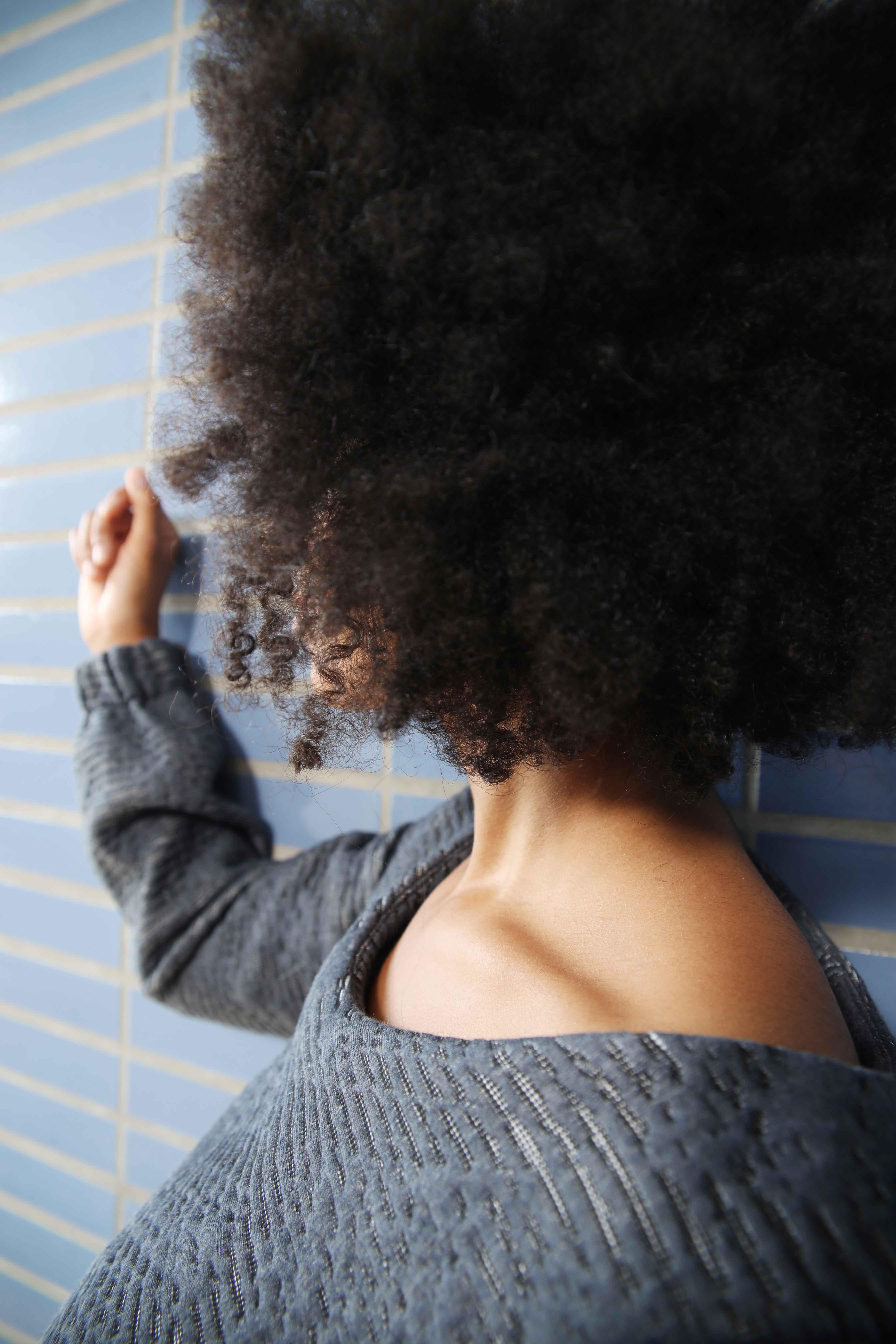 mode, kledij, ecologisch, Belgisch, duurzaam, transparant, dress, women, detail, gray, blue, boothals