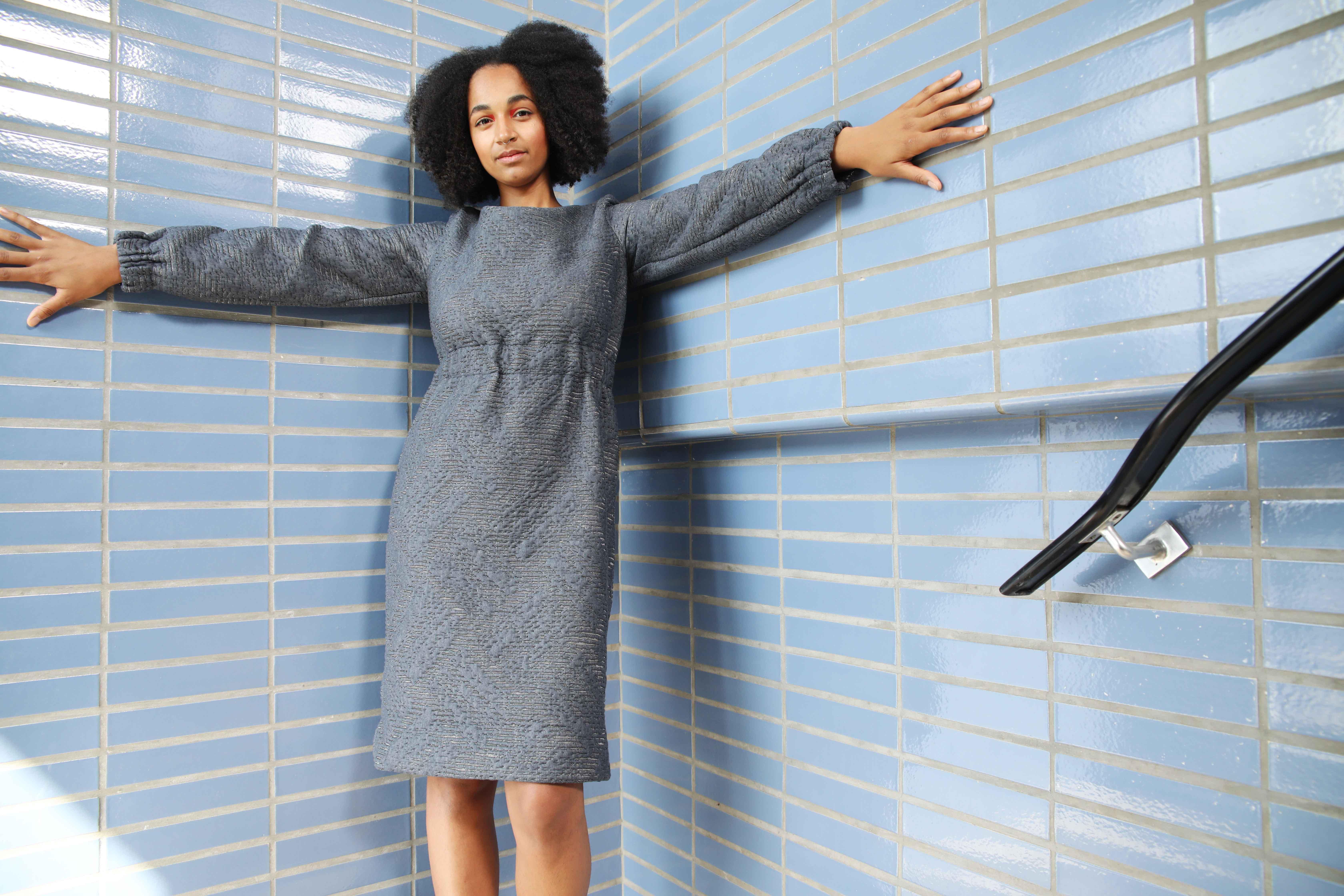 slow fashion, kleren, sustainable, korte keten, social, ecologisch, dress, vrouwen, elastiek, blue, gray