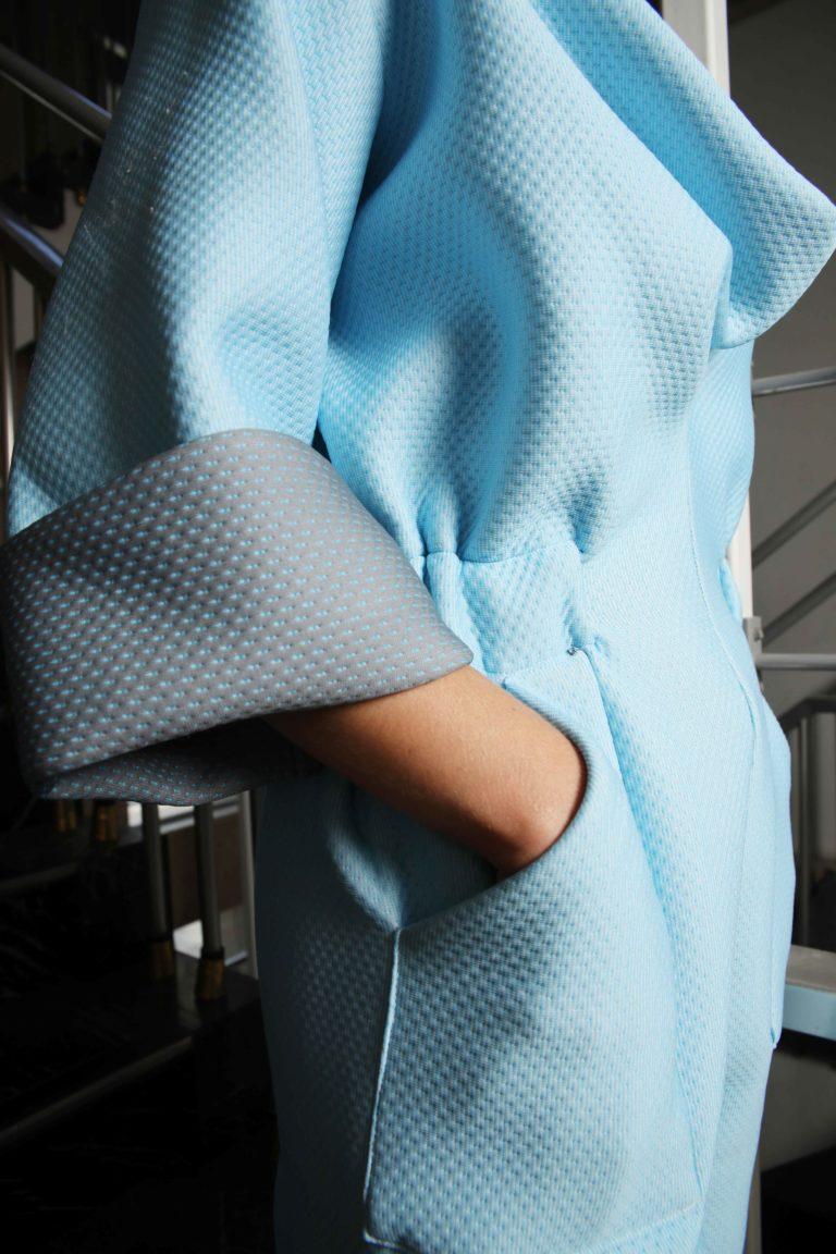 slow fashion, circulair, ethical, Belgisch, winter, women, jumpsuit, blauw, grijs, detail, structuur, elastiek, zakken
