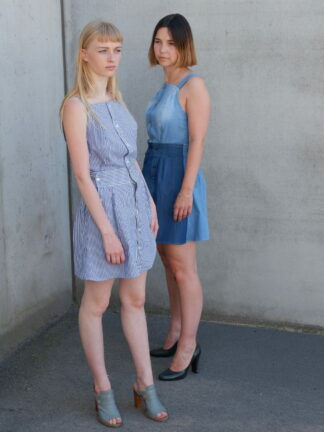 TANGO dress in gerecycleerde hemden, jeans en katoen, blauw, sociaal en lokaal geproduceerd
